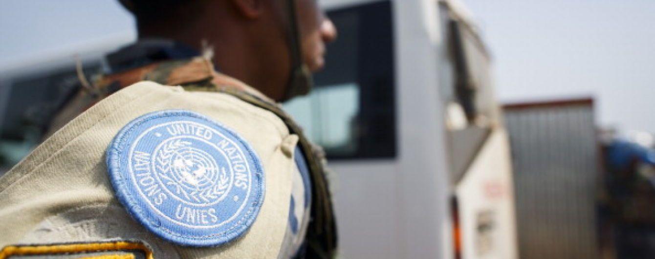 Миротворцы ООН обменивают одежду и мобильные телефоны на секс - Reuters