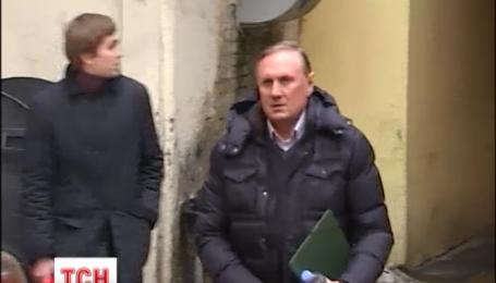 В Печерском суде столицы сегодня выбирают меру пресечения для Александра Ефремова