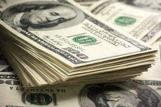 "За сутки валюта на ""черном"" рынке подорожала на 5-6 гривен"