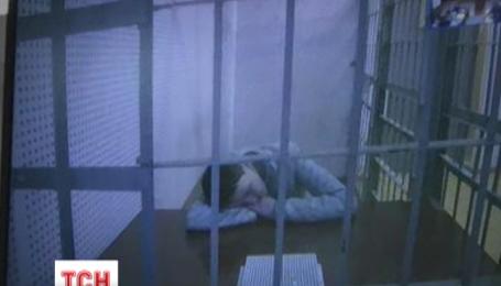 Надежду Савченко оставили за решеткой до 13 мая
