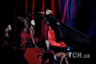 Армани о сногсшибательном падении Мадонны: это полностью ее вина