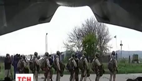 Год назад российские военные захватили здания Верховной Рады и Совета министров Крыма