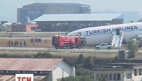 В Непале Airbus разбился после выезда за границу взлетной полосы