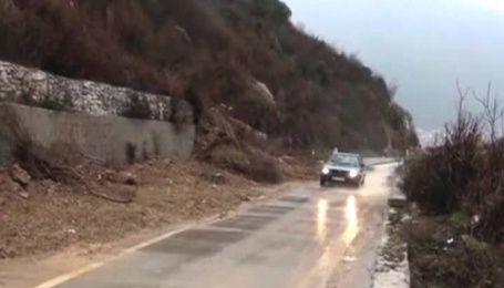 Балканы страдают от непогоды: мощные ветры, снегопады и ливни приносят разрушения