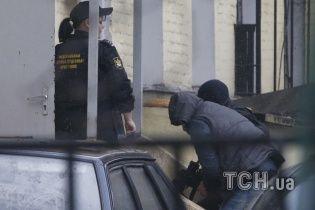 У Басманний суд Москви привезли п'ятьох підозрюваних у вбивстві Нємцова