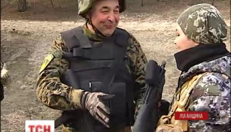 Украина завершила отвод тяжелого оружия от линии столкновения
