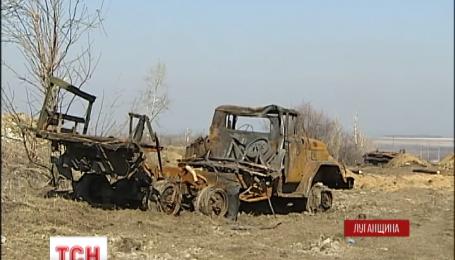 На Луганщине враг ведет обстрелы под российскими флагами