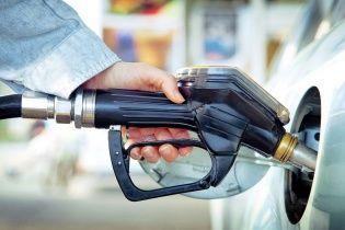 На АЗС продолжается снижение цен на топливо