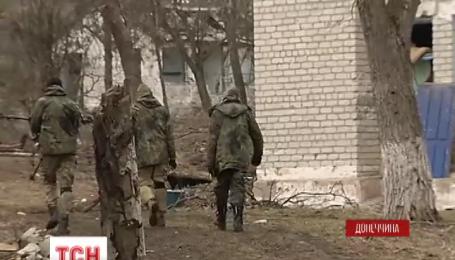 Поселок Широкино трижды обстреляли боевики