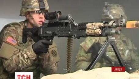 До Литви прибула перша партія американської військової техніки