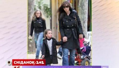 Моника Белуччи рада, что поздно стала мамой