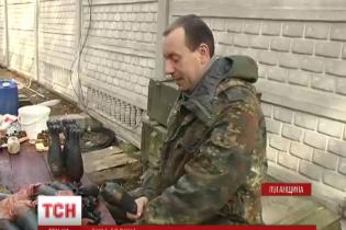 """На Луганщині бійці 92-ої бригади обладнали бункер і купають у бензині """"поросят"""""""