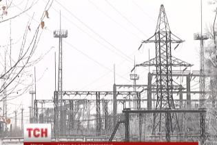 """Компанія Ахметова вимагає від України 200 млн гривень за електроенергію, спожиту на території """"ДНР"""""""