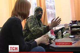 В Киеве аферист в балаклаве назвался айдаровцем и лечился за счет волонтеров