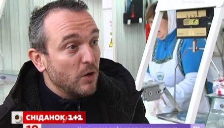Сенічкін відкрив французькому володарю зірки Michelin українські сало і бринзу