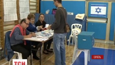 Беньямін Натаньяху святкує перемогу на парламентських виборах
