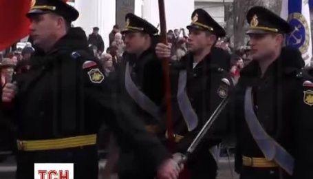 В Симферополе провели парад в годовщину аннексии Крыма