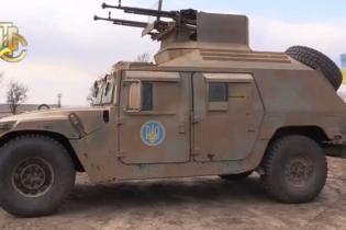 На американські бронеавтомобілі Humvee буде встановлена українська високоточна зброя - Порошенко