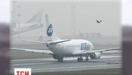 Пассажирский Боинг-737 совершил аварийную посадку в Санкт-Петербурге