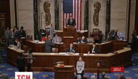 Верхняя палата Конгресса США также призвала предоставить летальное оружие Украине
