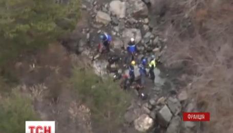 Рятувальники знайшли тіло першої жертви авіакатастрофи Airbus A320