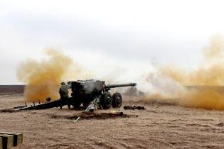 В Запорожье военный на бронированном вездеходе погиб в ДТП с пушкой