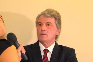 Ющенко не знає, чи отримав його син повістку до армії