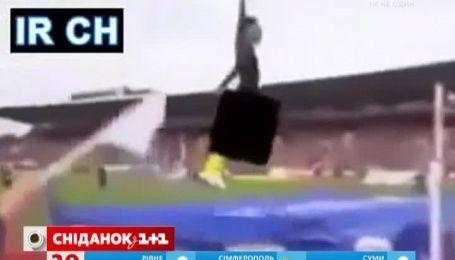В Интернете обсуждают ролик, который якобы демонстрирует уровень цензуры на иранском ТВ