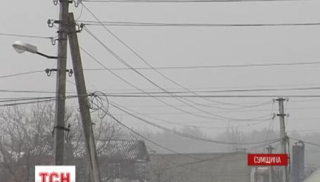 Майже 350 населених пунктів у семи областях України залишилися без світла через негоду