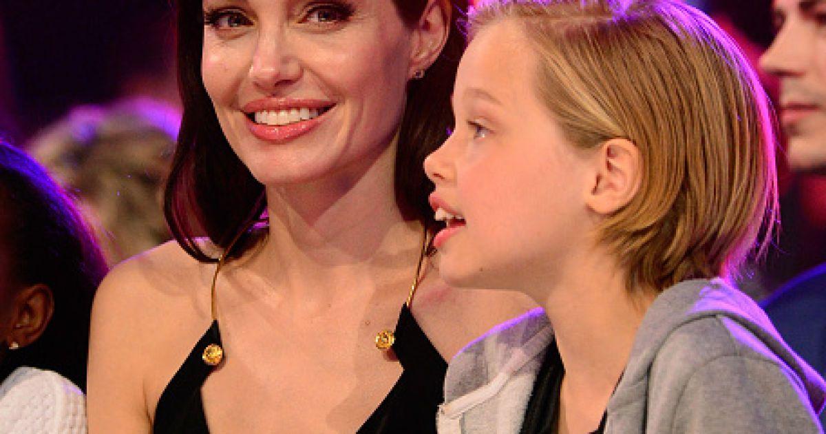 Джолі підтримали доньки @ Getty Images