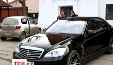 Боевик Моторола приобрел автомобиль за полмиллиона гривен