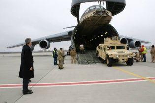 В Украину доставлена следующая партия бронемашин Humvee