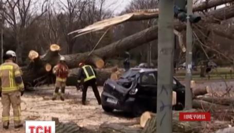 По меньшей мере девять человек погибли из-за урагана Никлас в Германии