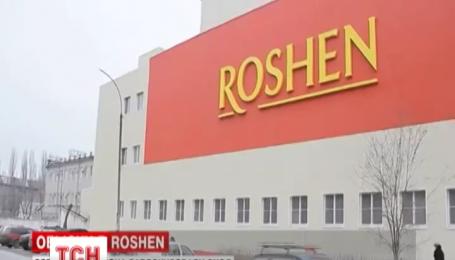В российском Липецке фабрику «Рошен» заблокировала полиция