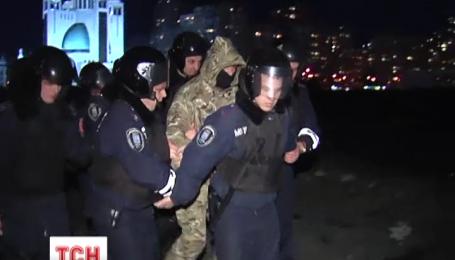 Акція протесту проти забудови на березі Дніпра закінчилася бійкою і стріляниною