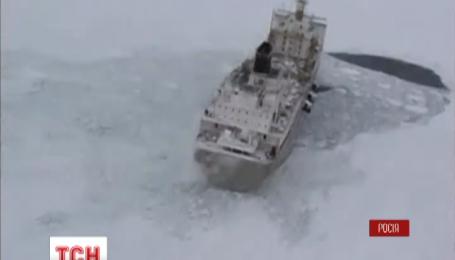 """Четверо украинцев находились на траулере """"Дальний Восток"""", который затонул в Охотском море"""