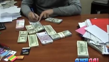 В Киевском ГАИ Служба безопасности МВД совместно со столичной прокуратурой разоблачили коррупционеров