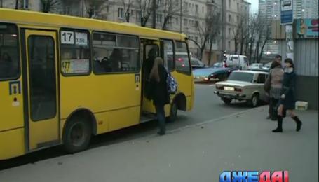 В столичных маршрутках пассажиров считают видеокамеры