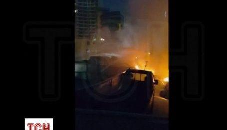 Более 570 машин сгорели в автоцентре в корейском городе Пусан