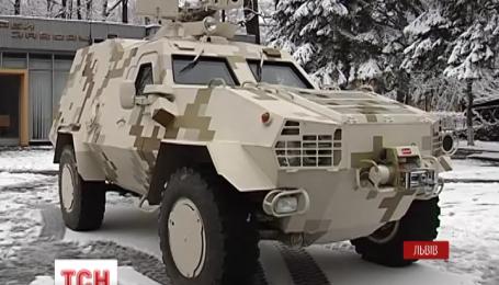 Во Львове начали массовое производство бронированных вездеходов «Дозор-Б»
