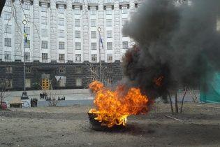 Більшість українців незадоволені роботою Порошенка, Кабміну та Ради