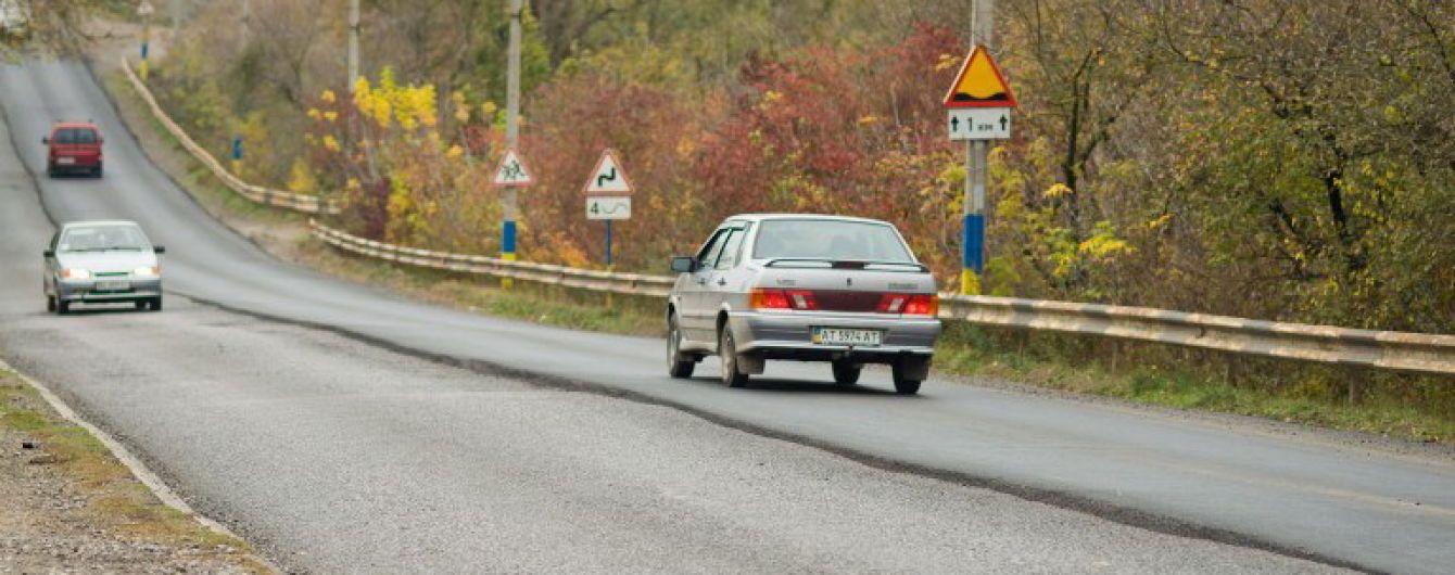 Автомобили заставят двигаться со скоростью гужевой повозки