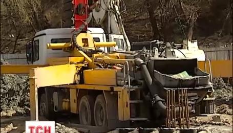 Местные власти Киева решили показательно бороться с незаконными застройками