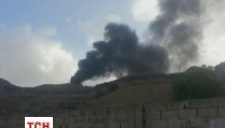 Самолеты из Саудовской Аравии нанесли повторных авиаударов по базе спецназа в Сане