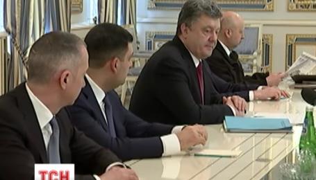 Порошенко требует создать наблюдательные пункты в буферной зоне на Донбассе