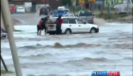 В боливийском городе Санта-Крус затопило дороги