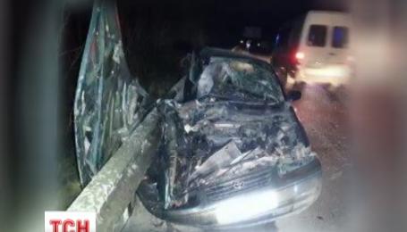 На Львівщині іномарка протаранила маршрутку, 10 травмованих