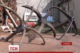 В Тернополе волонтеры наладили производство приборов для разминирования растяжек