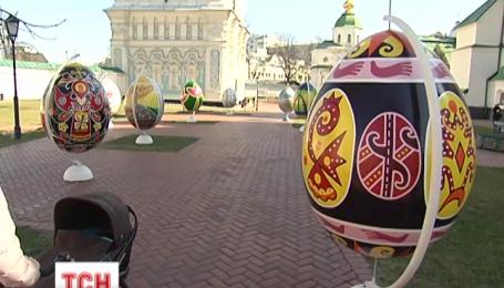 Від завтра в центрі столиці можна побачити 50 тисяч писанок з усієї України
