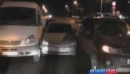 Российская автоледи «подшофе» протаранила несколько авто на перекрестке